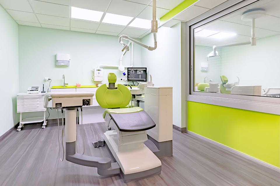 Salle de soins dentaires du cabinet - Dentiste Orléans